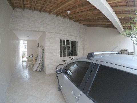 Linda casa nova à venda em Praia Grande