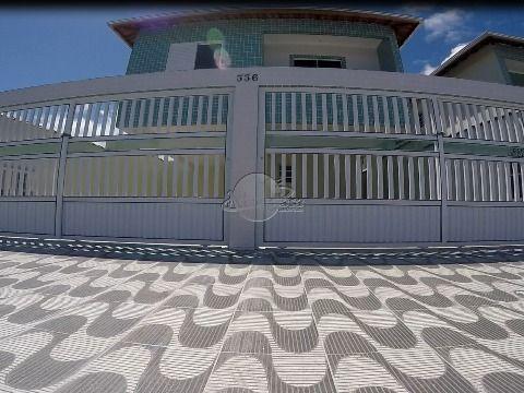 Casa em condomínio com dois dormitórios em Praia Grande