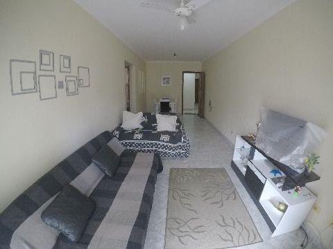 Amplo apartamento um dormitório na Avaição próximo a praia
