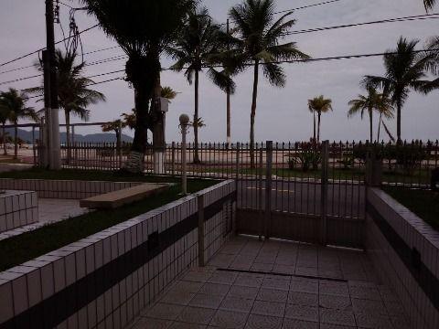 Apartamento com um dormitório em frente a praia, Guilhermina Praia Grande.