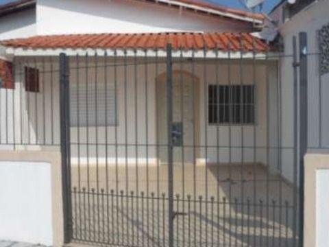 Casa com dois dormitórios no Caiçara em Praia Grande