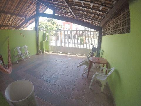 Casa com dois dormitórios no bairro da Tupi em Praia Grande