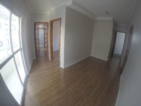 Apartamento dois dormitórios em localização privilegiada na Praia Grande