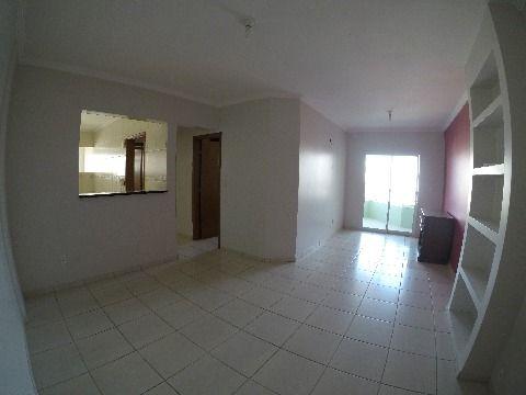 apartamento amplo com dois dormitórios na Aviação em Praia Grande SP