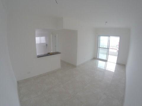 Apartamento em Praia Grande com 2 suítes