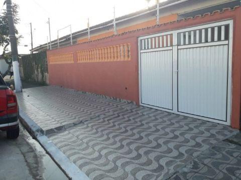 Casa 02 Dormitórios, Garagem para 03 Veículos com Cerca Elétrica e Sistema de Alarme