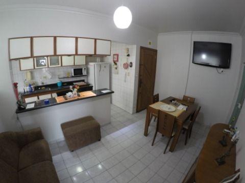 Apartamento de 2 dormitórios com 1 banheiro