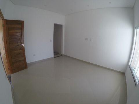 Casa de 2 Dormitórios à Venda na Praia Grande - Bairro Jd. Guilhermina