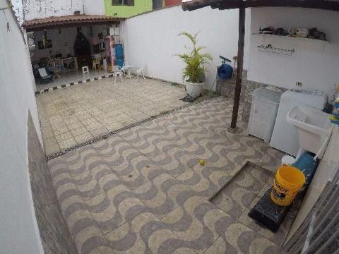 Casa á venda em Praia Grande bairro Aviação