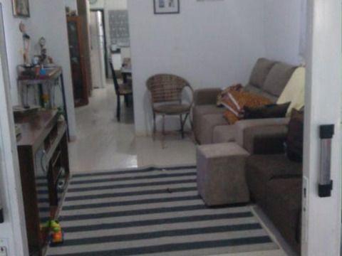 Excelente casa 10x25 (lote inteiro) à venda em Cipava, Osasco.