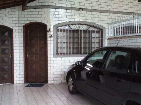 Excelente casa c/ 02 dorm na Vila Mirim, à 500m da Praia.