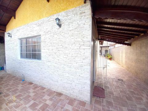Excelente casa c/ 280m² à 400m  da Praia no Caiçara.
