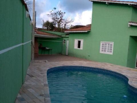 Excelente casa c/ 03 dorm e piscina no Caiçara à 100 metros da Praia.