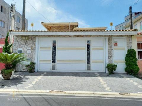 Excelente casa c/ 3 dorm, piscina à 200m da Praia no Caiçara.
