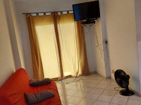 Excelente apartamento com 1 dorm à 300m da praia na Ocian.