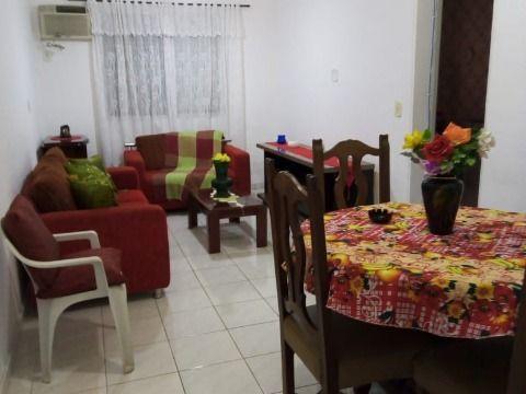Aluga-se apartamento c/ 02 dorm à 200m da praia no Canto do Forte
