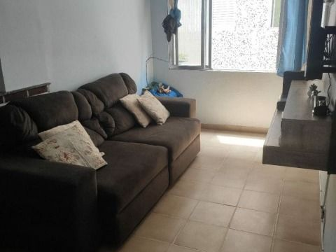Aluga-se excelente apartamento c/ 2 dorm à 300m da praia no Forte