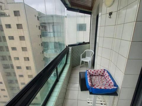 Aluga-se excelente apartamento frente praia na Tupi.
