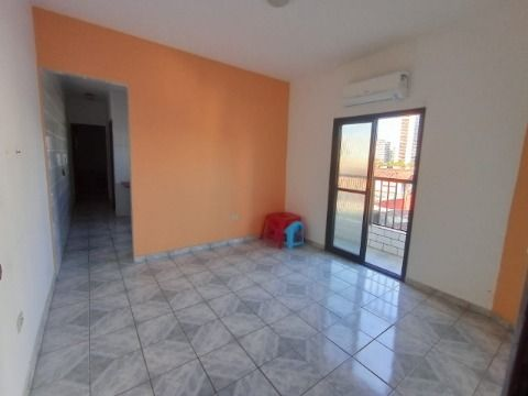 Excelente apartamento à 500m da Praia no Boqueirão