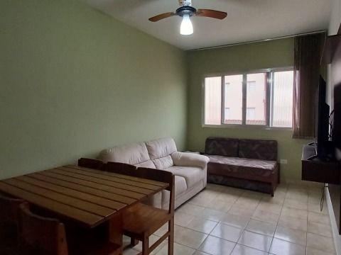 Excelente apartamento c 01 dormitório frente praia na Tupi.