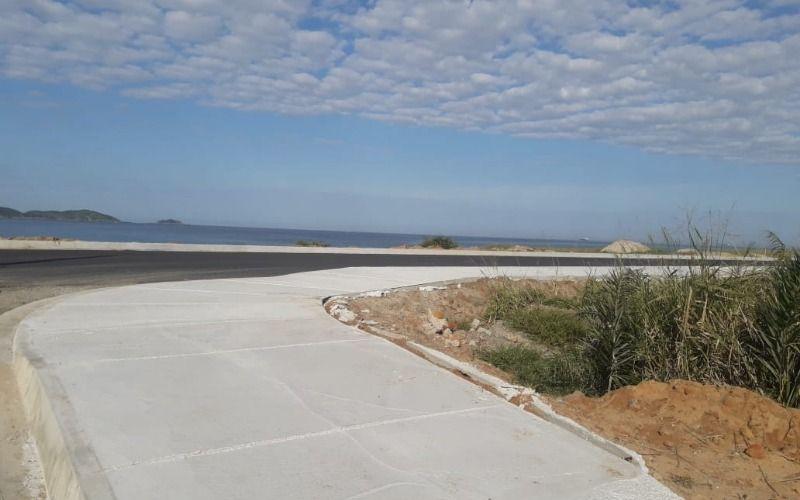 Terreno  frente para o mar em Itaipuaçu Cód 2140