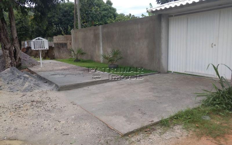 Casa em itaipuaçu 3 suites inacabada