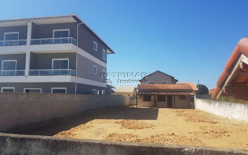 Excelente terreno com uma casa quarto e sala em Itaipuaçu R$189.000,00