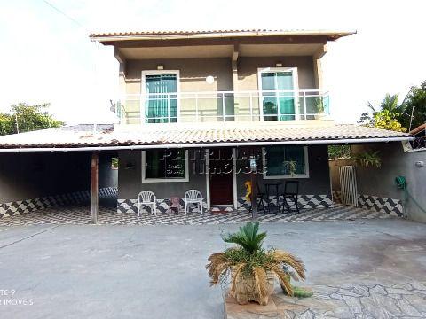 Ótima casa duplex em Itaipuaçu 3 quartos
