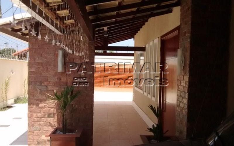 Linda casa em Itaipuaçu com piscina e churrasqueira