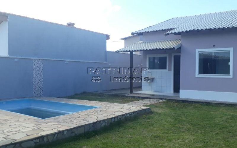 Ótima casa em Itaipuaçu  composta por três quartos sendo um suíte e piscina