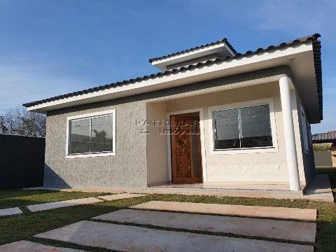 Linda casa à venda em Itaipuaçú 3 quartos