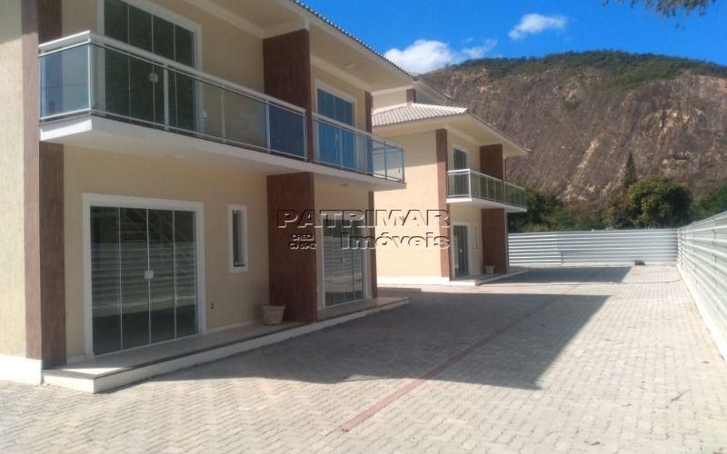Casa duplex, condomínio fechado em Itaocaia Valley