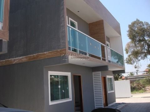 Ótima casa duplex em condomínio  2 QUARTOS EM ITAIPUAÇU