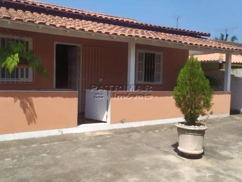 Vendo ótima casa em Itaipuaçu 2 qtos 1 suíte