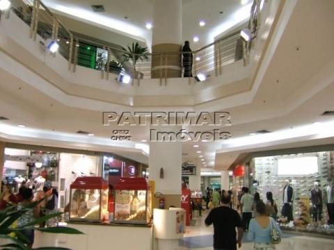 Sala comercial à venda no Shopping Itaipu Multicenter, Piratininga, Niterói.