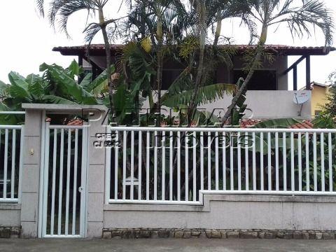Casa a venda dentro de condomínio em Itaipu, Niterói.
