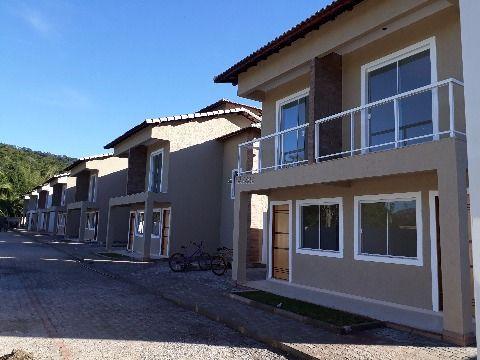 casa duplex em condomínio em Itaocaia (Itaipuaçu)
