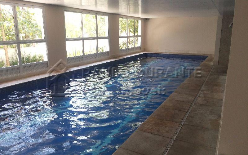 piscina coberta aquecida