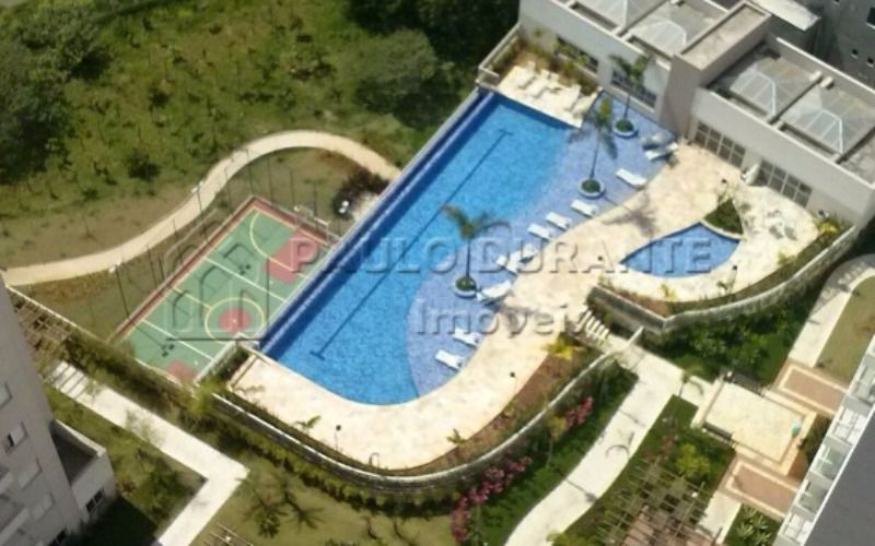piscina e quadra vista aerea (2)