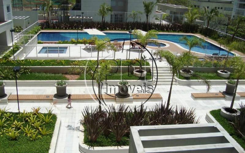 piscina DSC02195b_1024x684