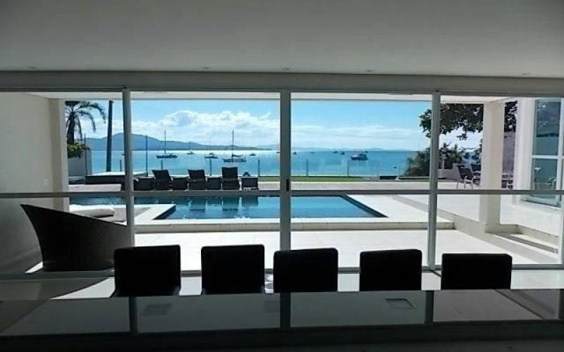 casa nova frente mar em jurerê (4)