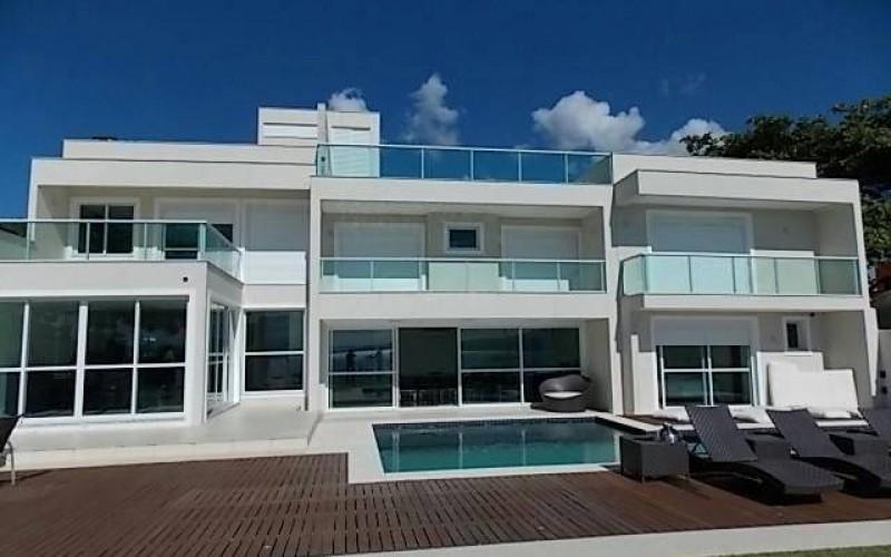 casa nova frente mar em jurerê (8)