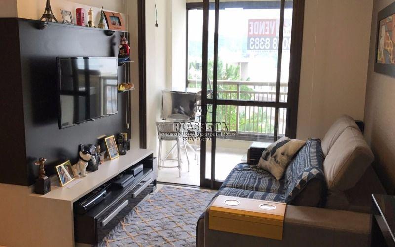 Apartamento finamente mobiliado 2 dormitórios 2 vagas e lazer completo no Itacorubi Florianópolis