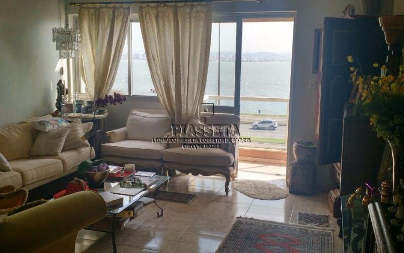 Apartamento 4 dormitorios, sendo 2 suítes, com vista para o mar, sem vaga de garagem na Av Beira mar Norte