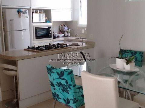 Apartamento alto padrão semi mobiliado na av beira mar norte em Florianópolis