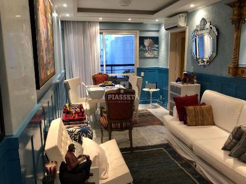 Apartamento reformado de alto padrão 2 dormitórios no centro de Florianópolis.