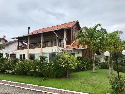 Casa em condomínio fechado com acesso exclusivo ao mar em Santo Antonio de Lisboa Florianópolis