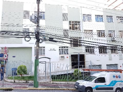 Apartamento 2 dormitórios Rua Esteves Junior Centro Florianópolis ao lado do Angeloni