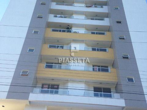 Apartamento na Pedra Branca com 2 dormitórios sendo 1 suíte.