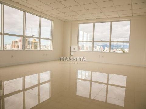 SALA NOVA 117m² ÁREA PRIVATIVA 4 BWC 4 VAGAS NO ITAGUACU TRADE CENTER NO ACESSO À ILHA FLORIANÓPOLIS